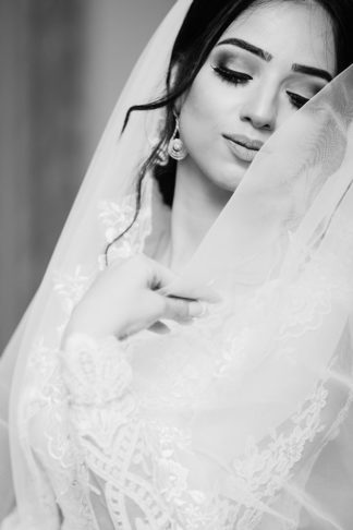 Bridal-Elegance-Wedding-Accessories-a